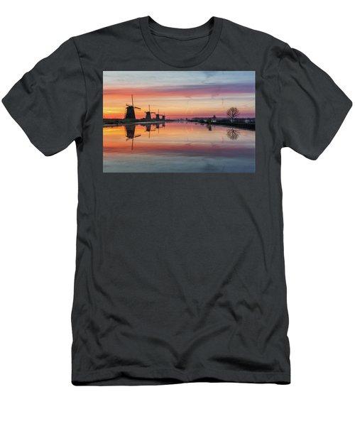 Sunrise Kinderdijk Men's T-Shirt (Athletic Fit)