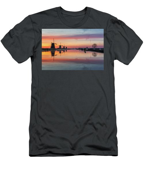 Sunrise Kinderdijk Men's T-Shirt (Athletic Fit)