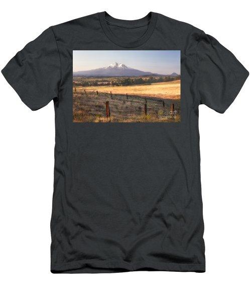 Sunrise Mount Shasta Men's T-Shirt (Athletic Fit)