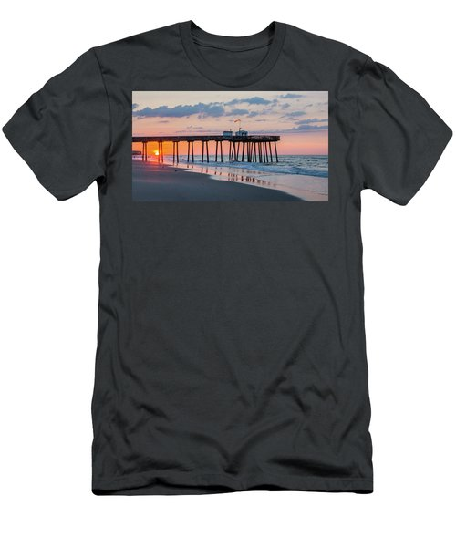 Sunrise Ocean City Fishing Pier Men's T-Shirt (Slim Fit)