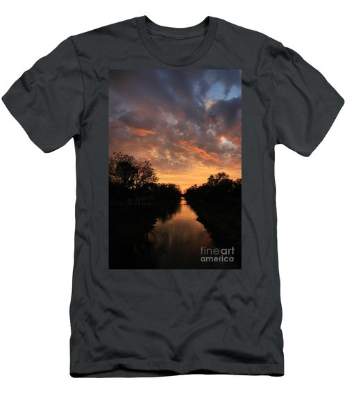 Sunrise On The Illinois Michigan Canal Men's T-Shirt (Athletic Fit)