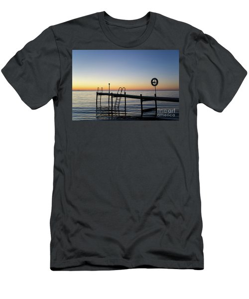 Sunset By The Old Bath Pier Men's T-Shirt (Athletic Fit)