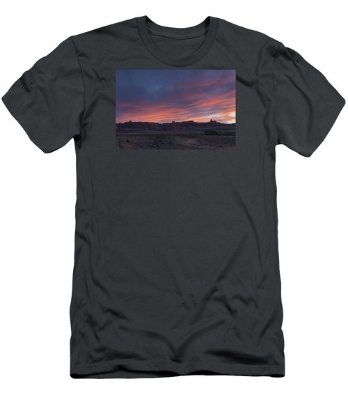 Sunset Near Court House Wash Men's T-Shirt (Athletic Fit)