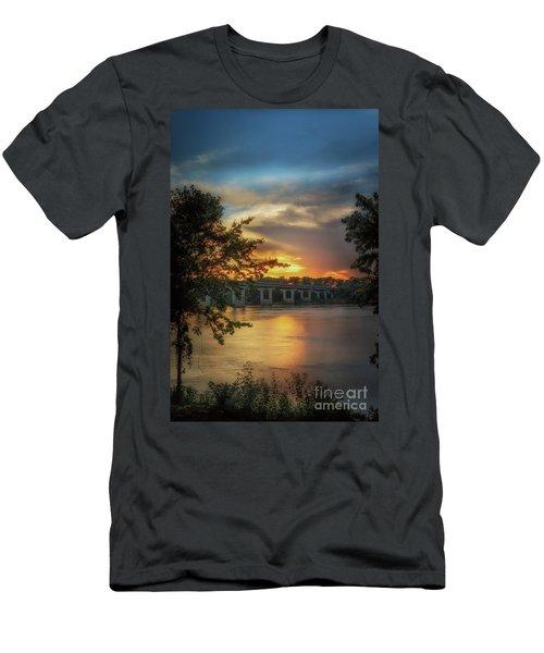 Sunset On The Arkansas Men's T-Shirt (Athletic Fit)
