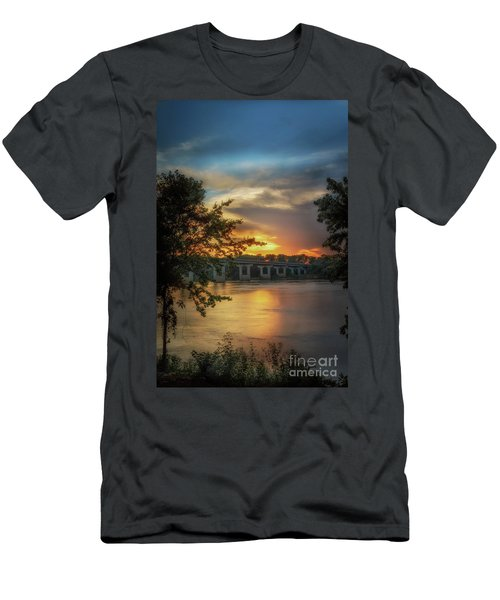 Sunset On The Arkansas Men's T-Shirt (Athletic Fit)