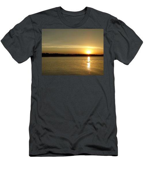 Sunset Shelbyville Il Men's T-Shirt (Athletic Fit)