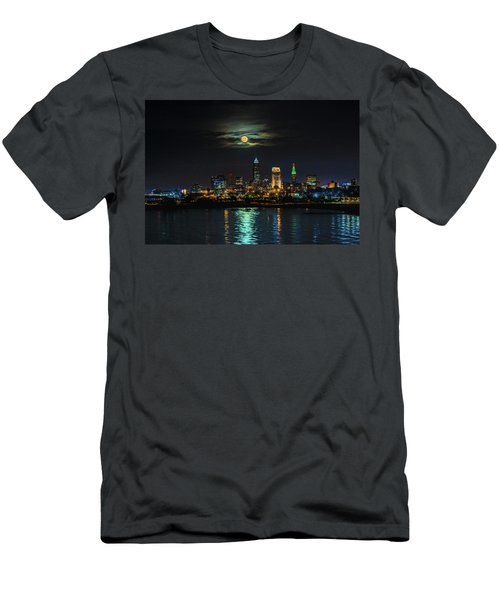 Super Full Moon Over Cleveland Men's T-Shirt (Athletic Fit)