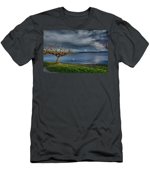 Swan And Tree Men's T-Shirt (Athletic Fit)
