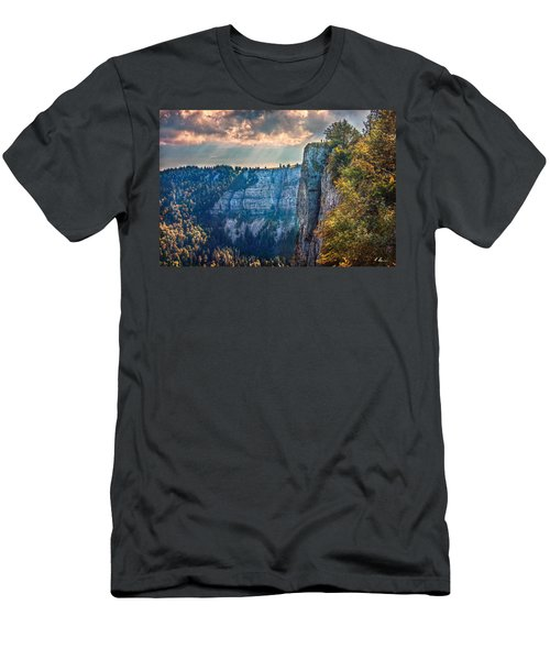 Swiss Grand Canyon Men's T-Shirt (Athletic Fit)
