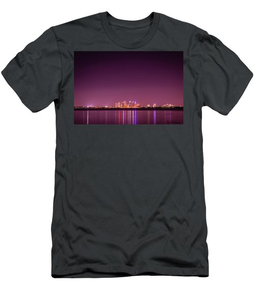 Tampa Bay Skyline Men's T-Shirt (Athletic Fit)