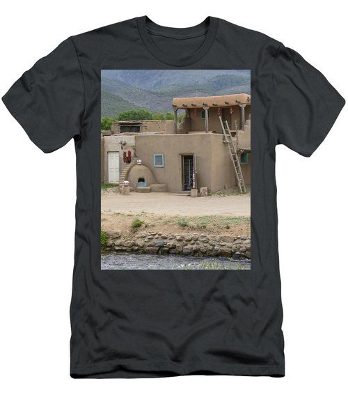 Taos Pueblo Adobe House With Pots Men's T-Shirt (Athletic Fit)