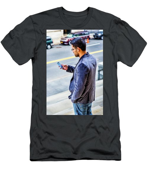 Man Texting Men's T-Shirt (Athletic Fit)