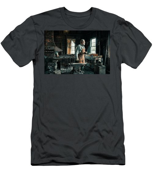The Blacksmith - Smith Men's T-Shirt (Athletic Fit)