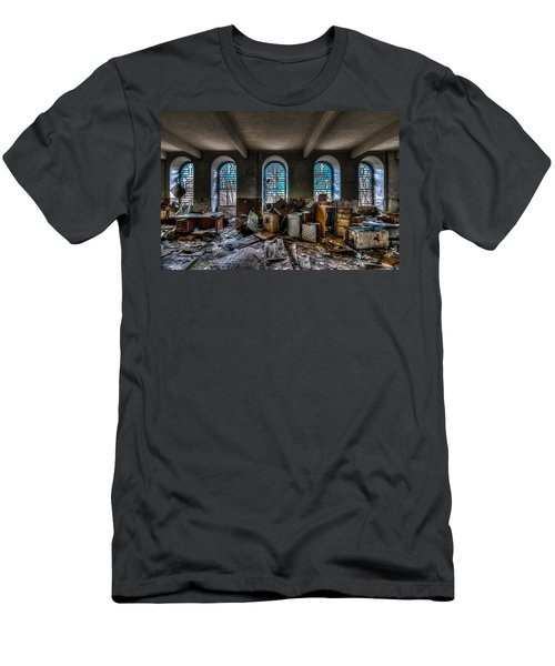 The Church - La Chiesa Men's T-Shirt (Athletic Fit)