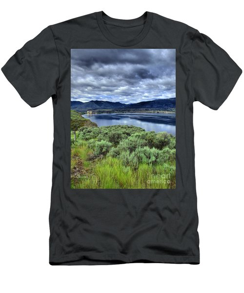 The City And The Clouds Men's T-Shirt (Athletic Fit)