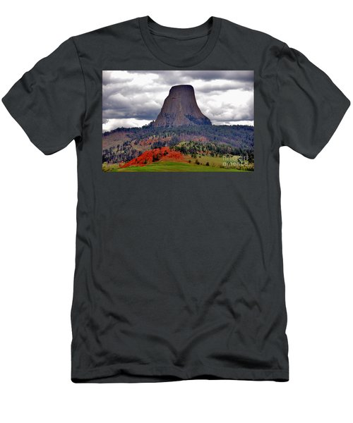 The Devils Tower Wy Men's T-Shirt (Athletic Fit)