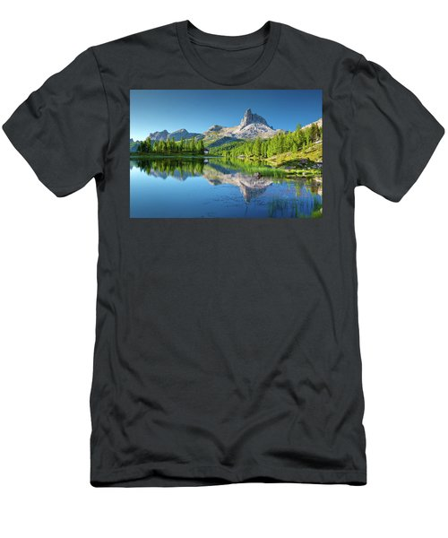 The Great Northwest Men's T-Shirt (Athletic Fit)