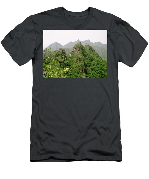The Great Wall Of China Winding Over Mountains Men's T-Shirt (Athletic Fit)