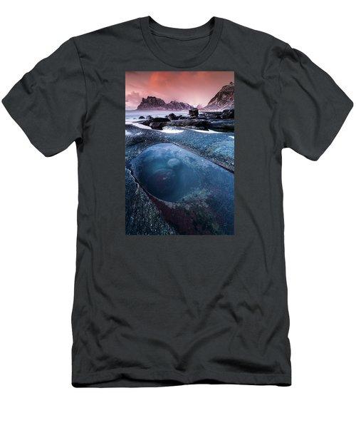 The Magic Eye Men's T-Shirt (Slim Fit) by Alex Conu