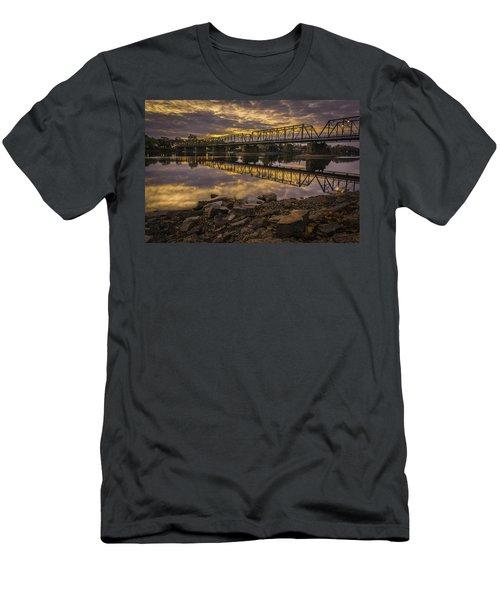 Underwater Bridge Men's T-Shirt (Athletic Fit)