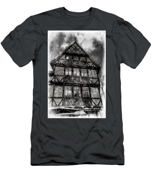 The Old Danish Buiding Men's T-Shirt (Athletic Fit)