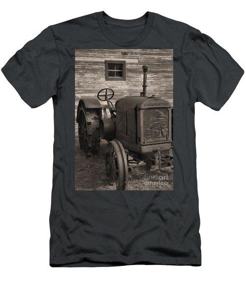 The Old Mule  Men's T-Shirt (Athletic Fit)