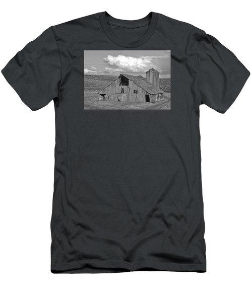 The Palouse Breaks Barn Men's T-Shirt (Athletic Fit)