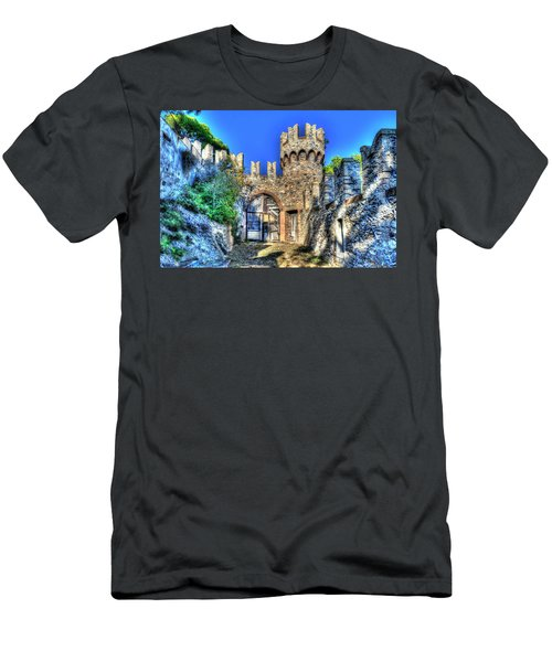 The Senator Castle - Il Castello Del Senatore Men's T-Shirt (Athletic Fit)