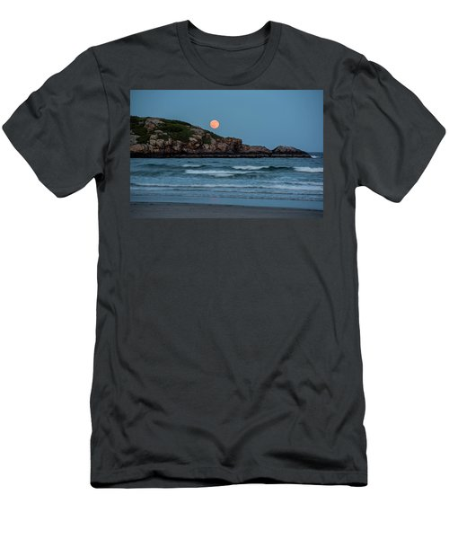 The Strawberry Moon Rising Over Good Harbor Beach Gloucester Ma Island Men's T-Shirt (Athletic Fit)