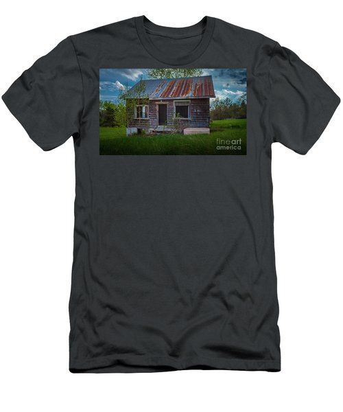 Tiny Farmhouse Men's T-Shirt (Athletic Fit)