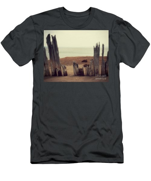 To The Sea Men's T-Shirt (Athletic Fit)
