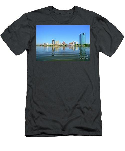D12u-673 Toledo Ohio Skyline Photo Men's T-Shirt (Athletic Fit)