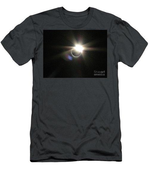 Total Eclipse 2017 Lens Flare Men's T-Shirt (Athletic Fit)
