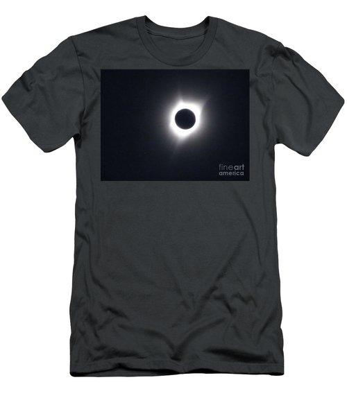 Total Eclipse 2017 Men's T-Shirt (Athletic Fit)
