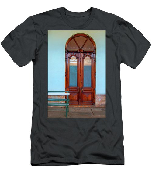 Train Station Portal Maputo Men's T-Shirt (Athletic Fit)