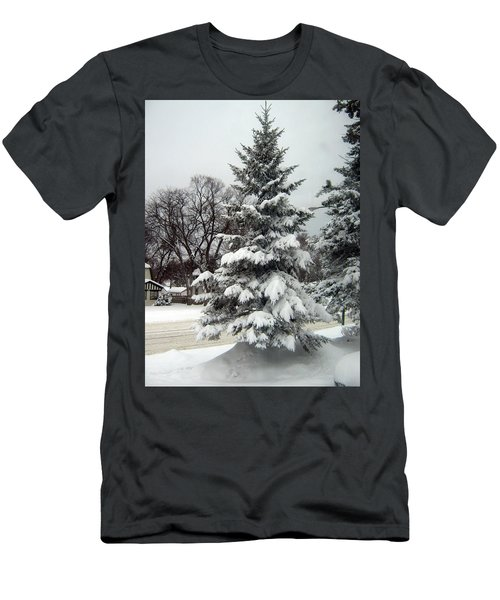 Tree In Snow Men's T-Shirt (Athletic Fit)