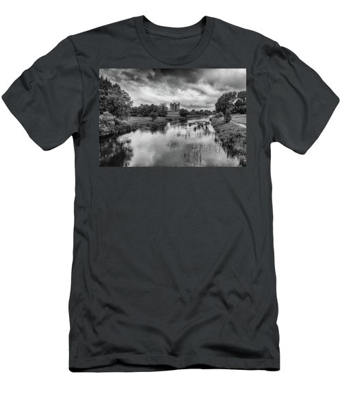 Trim Castle And The River Boyne Men's T-Shirt (Slim Fit) by Martina Fagan