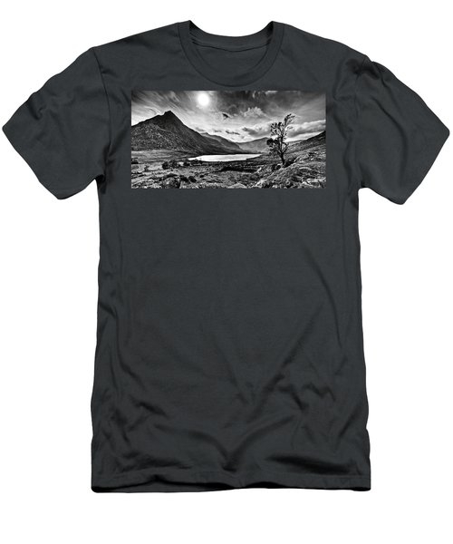 Tryfan And Llyn Ogwen Men's T-Shirt (Athletic Fit)