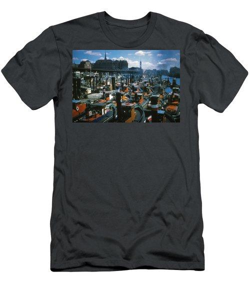 Tugs - Hamburg Men's T-Shirt (Athletic Fit)