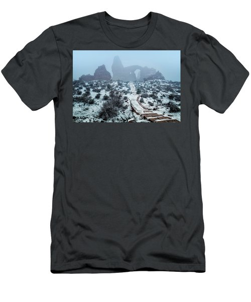 Turret Arch In The Fog Men's T-Shirt (Athletic Fit)