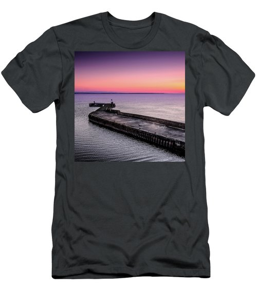 Twilight, Burghead Harbour Men's T-Shirt (Athletic Fit)