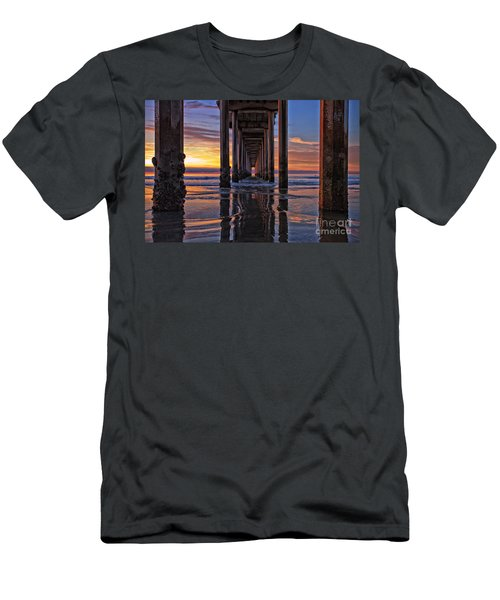Under The Scripps Pier Men's T-Shirt (Athletic Fit)