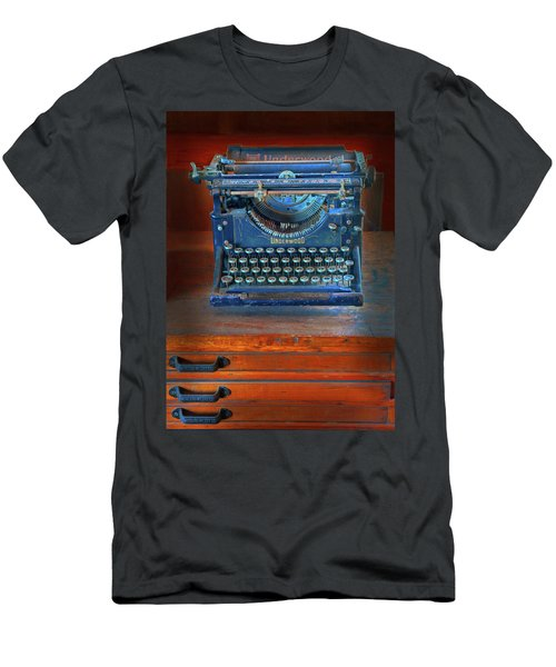 Underwood Typewriter Men's T-Shirt (Athletic Fit)
