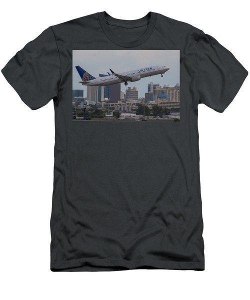 United Airlinea Men's T-Shirt (Athletic Fit)
