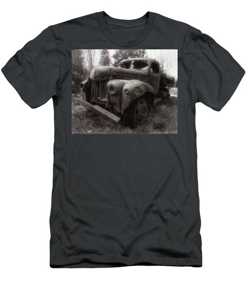 Unquiet Slumbers For The Sleeper Men's T-Shirt (Athletic Fit)