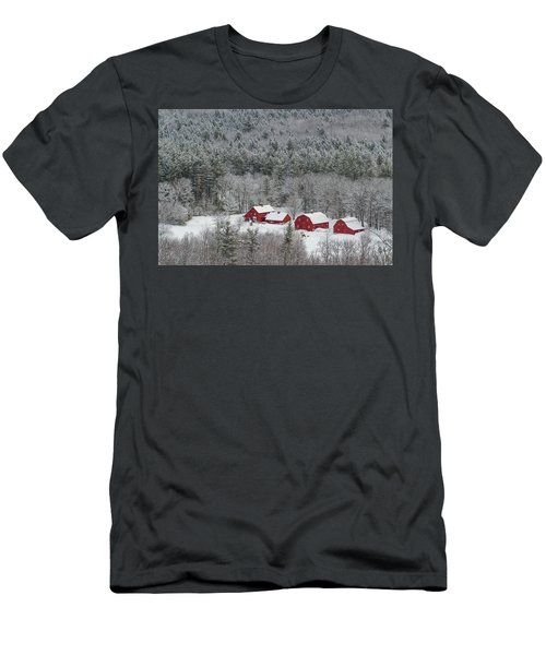 Valley Farm In Winter Men's T-Shirt (Athletic Fit)