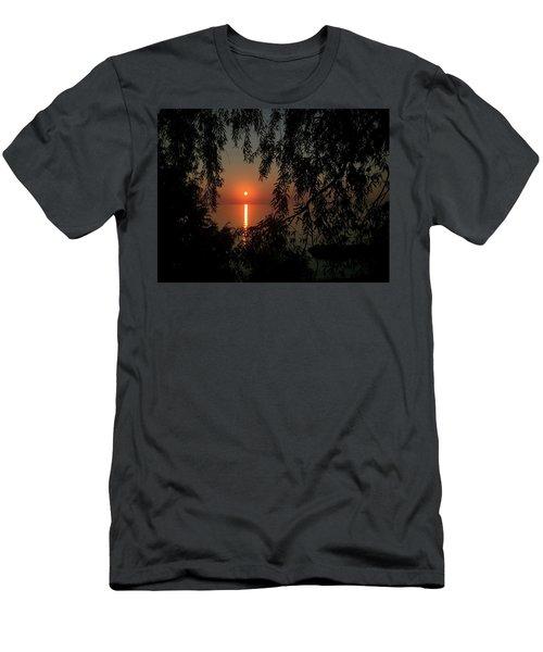 Veil Men's T-Shirt (Athletic Fit)