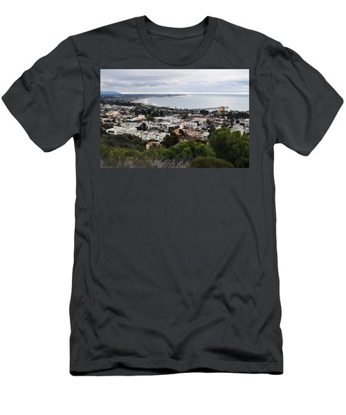 Ventura Coast Skyline Men's T-Shirt (Athletic Fit)