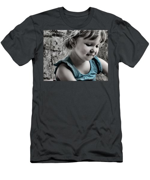 Victoria In Blue Men's T-Shirt (Athletic Fit)
