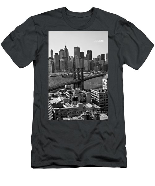 View Of The Brooklyn Bridge Men's T-Shirt (Athletic Fit)